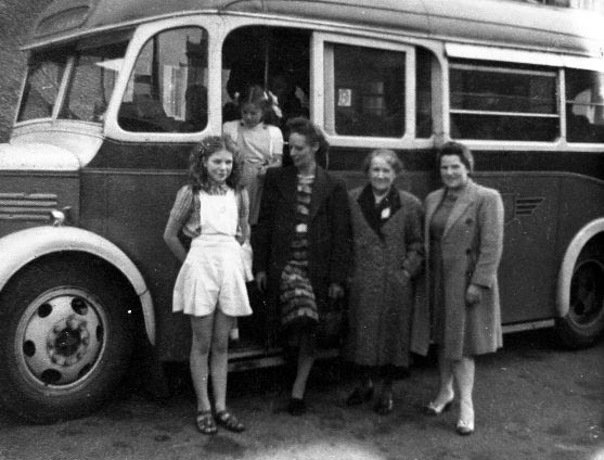 Photo - Charabanc trip from Summer Lane to Barmouth 1946